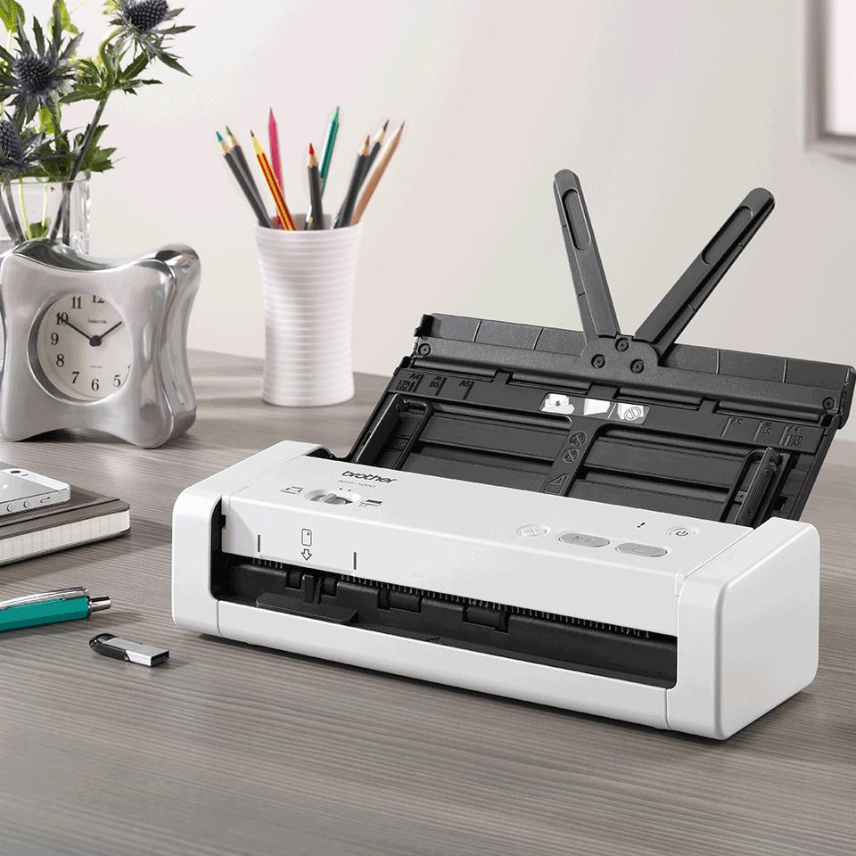 Компактный сканер документов ADS-1200 8