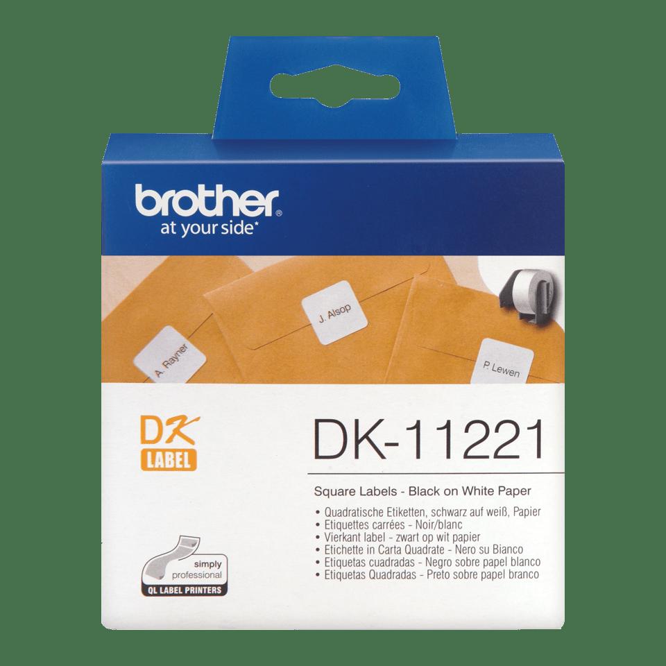 Brother DK11221: оригинальная кассета с лентой для печати наклеек черным на белом фоне, 23 мм х 23 мм.