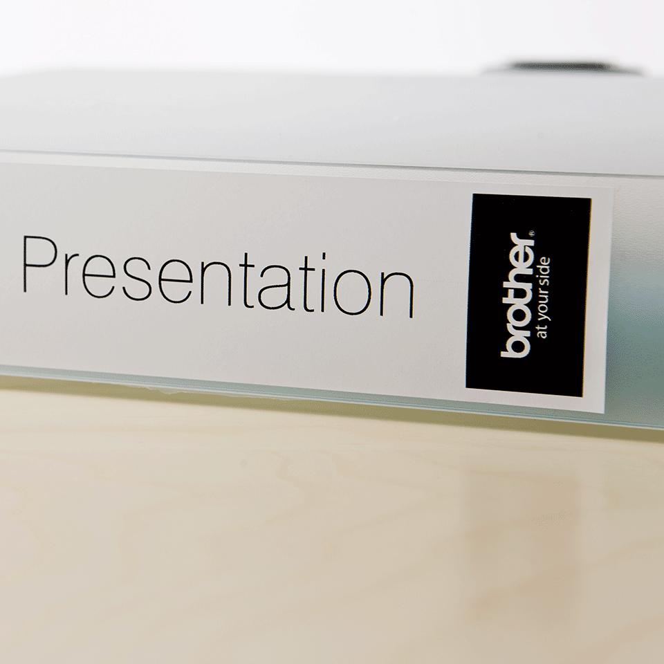 Brother DK22225: оригинальная кассета с непрерывной бумажной лентой для печати наклеек черным на белом фоне, ширина: 38 мм. 3