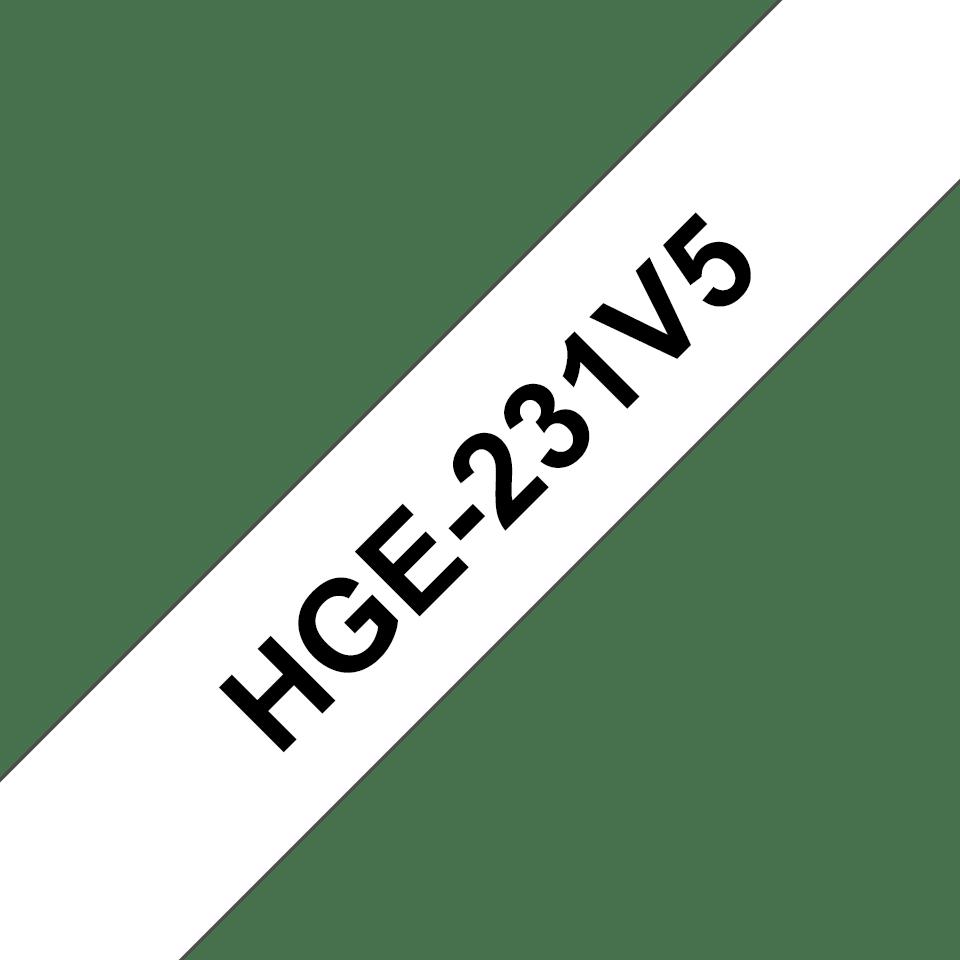 Brother HGe231V5: оригинальная кассета с лентой для печати наклеек черным на белом фоне, ширина: 12 мм.